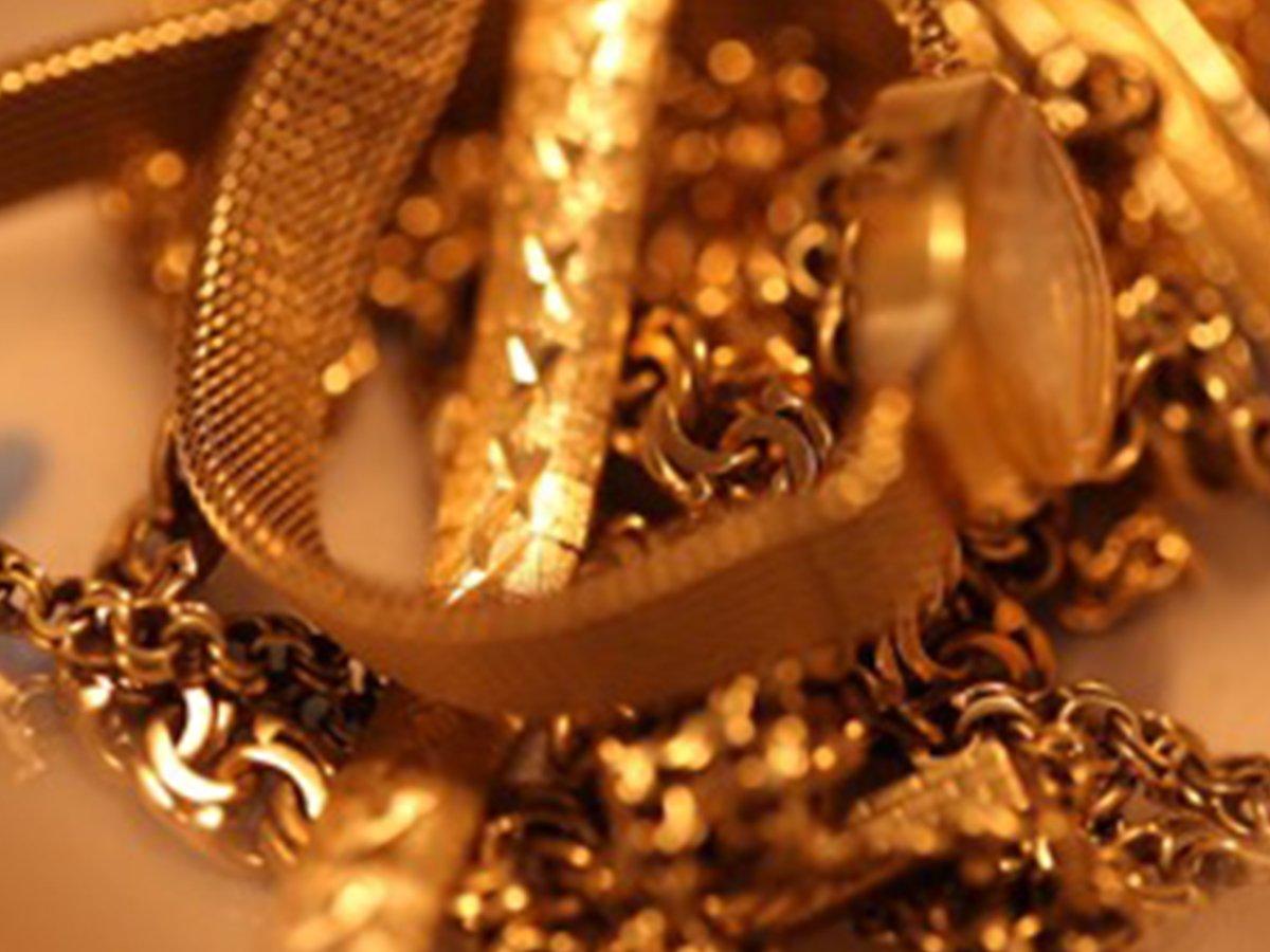 Die Scheideanstalt versteht sich als verbraucherfreundliche Anlaufstelle für den Verkauf alten Goldschmucks, Silberschmucks, silberner und versilberter Bestecke und handelbarer Edelmetalle.
