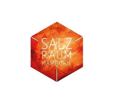Im Salzraum Hamburg im Stadtteil Niendorf ist das möglich. Die salzhaltige Luft, die sonst nur in natürlichen Salzstollen oder –grotten vorherrscht, versorgt die Atemwege bei jedem Luftzug mit wertvollen Mineralien und Mikroelementen. Das ist nicht nur unheimlich wohltuend, sondern fördert auch die Gesundheit. Der Salzraum Hamburg bietet Entspannung pur.