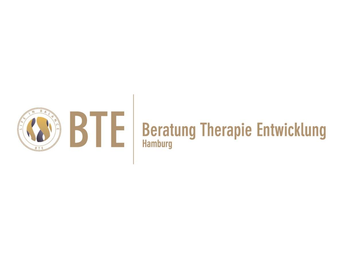 BTE Hamburg – das sind die psychologischen Psychotherapeutinnen Tina Mannfeld, Nina Schad und Andrea Hellmold. Die Buchstaben BTE stehen für die Kerngebiete ihrer Arbeit – Beratung, Therapie und Entwicklung