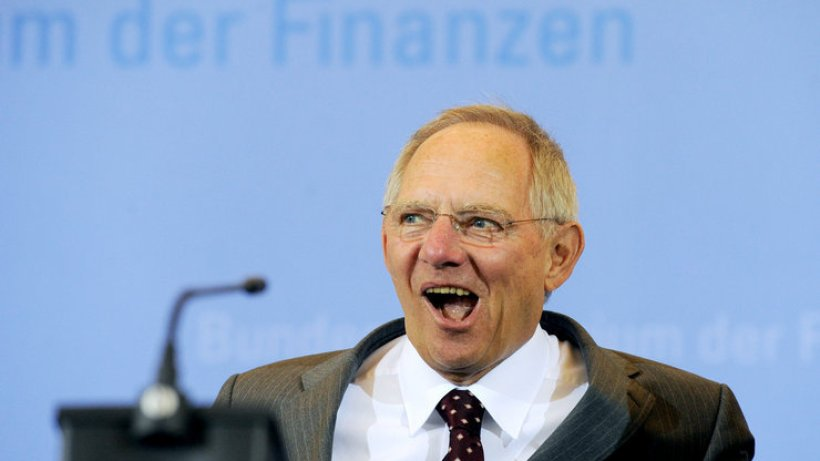 http://img.abendblatt.de/img/deutschland/crop105723097/1932608064-w820-cv16_9-q85/Schaeuble-HA-Bayern-Berlin.jpg