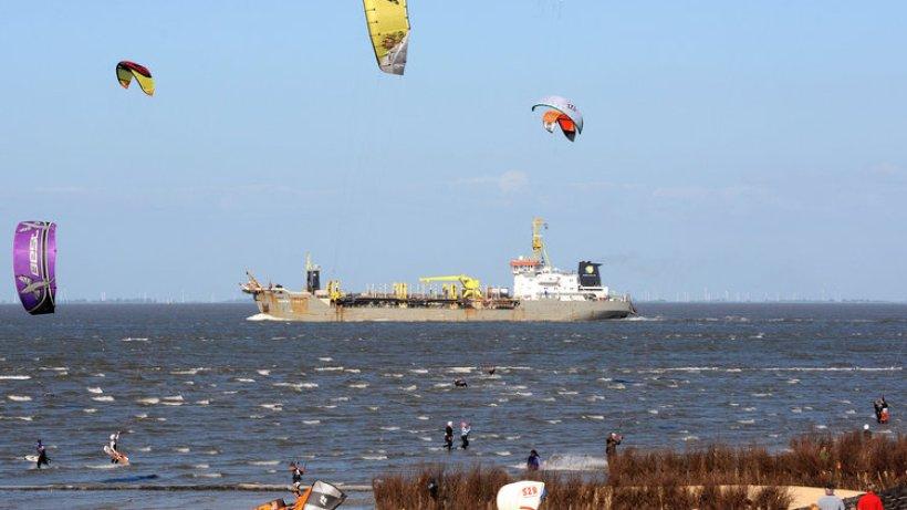 Umweltbehörde will Kite-Surfen vor Neuwerk verbieten - Hamburg ... - Hamburger Abendblatt