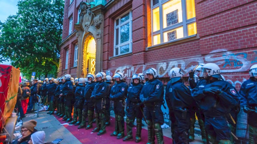 Polizei 8 ha ha 30 04 15 magazin xxx zgbpicar 1816845664