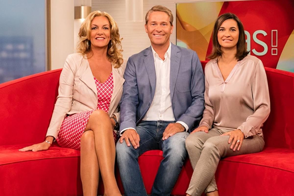 Das Versteigert Das Berühmte Rote Sofa Hamburg Aktuelle News