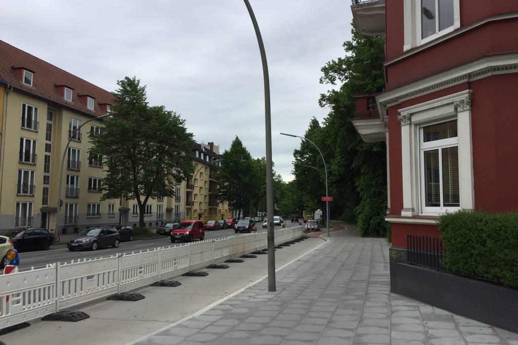die bushaltestelle, die keine sein darf - eimsbüttel - hamburger
