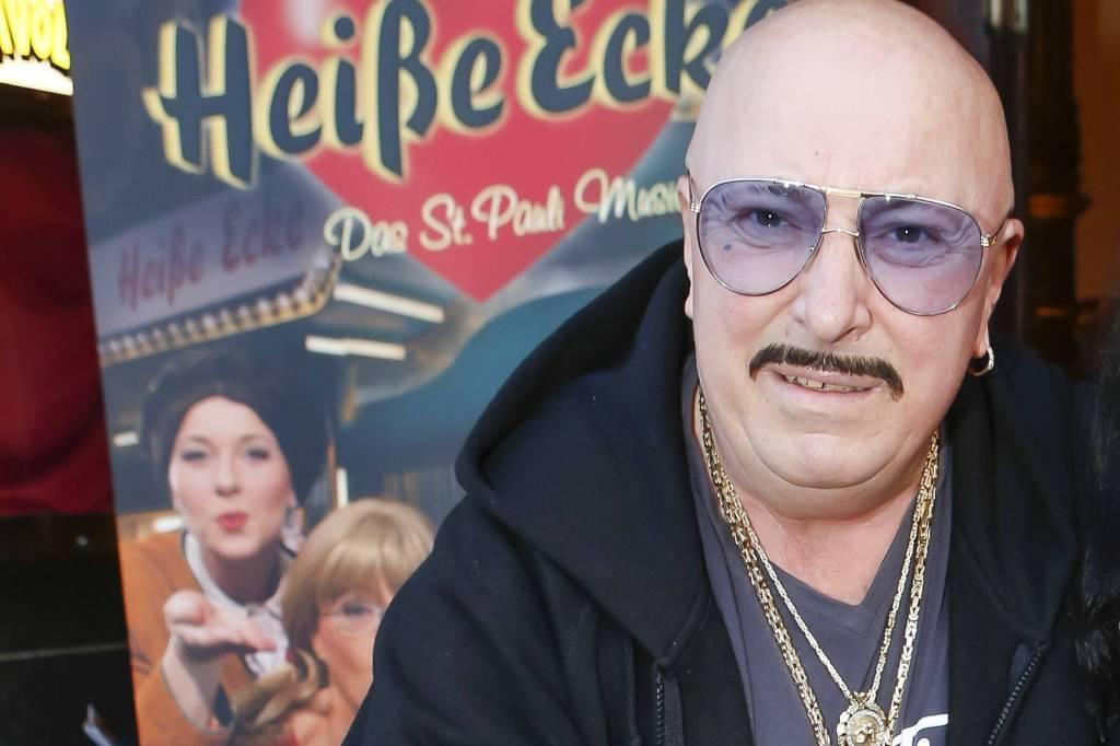 Einen Monat Nach Seinem Tod Einbruch Bei Inkasso Henry Hamburg