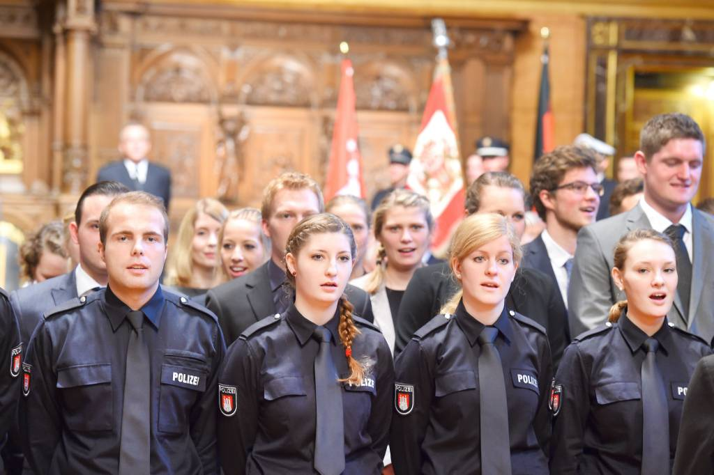 Hamburger Polizei Hat Nicht Genug Platz Für Nachwuchs Hamburg