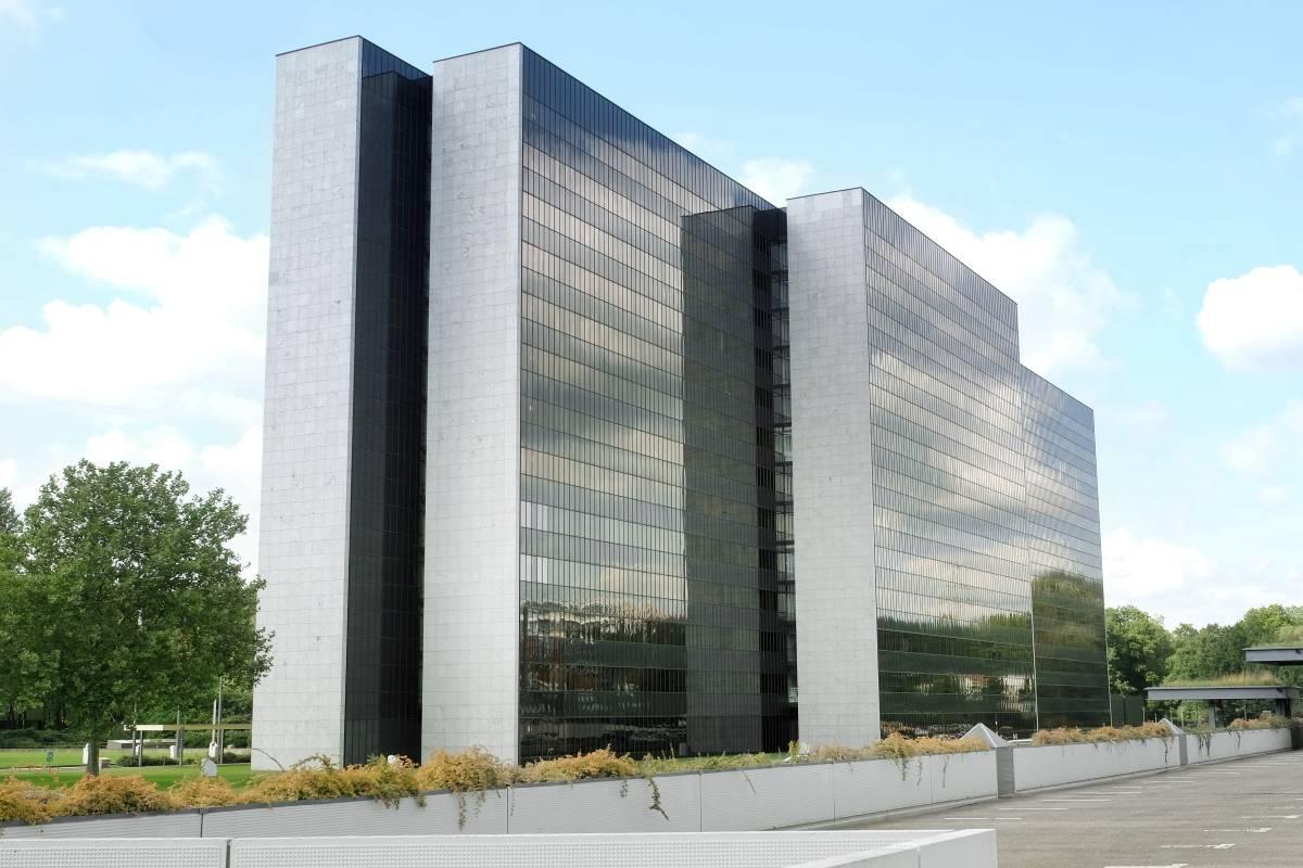 Vattenfall Verkauft Glaserne Zentrale In Der City Nord Hamburger
