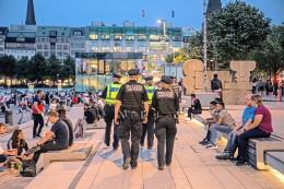 Hamburg: Brennpunkt Jungfernstieg: Bilanz einer Sommernacht