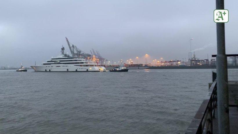 Luxus-Yacht `Eclipse` zurück bei Blohm + Voss im...