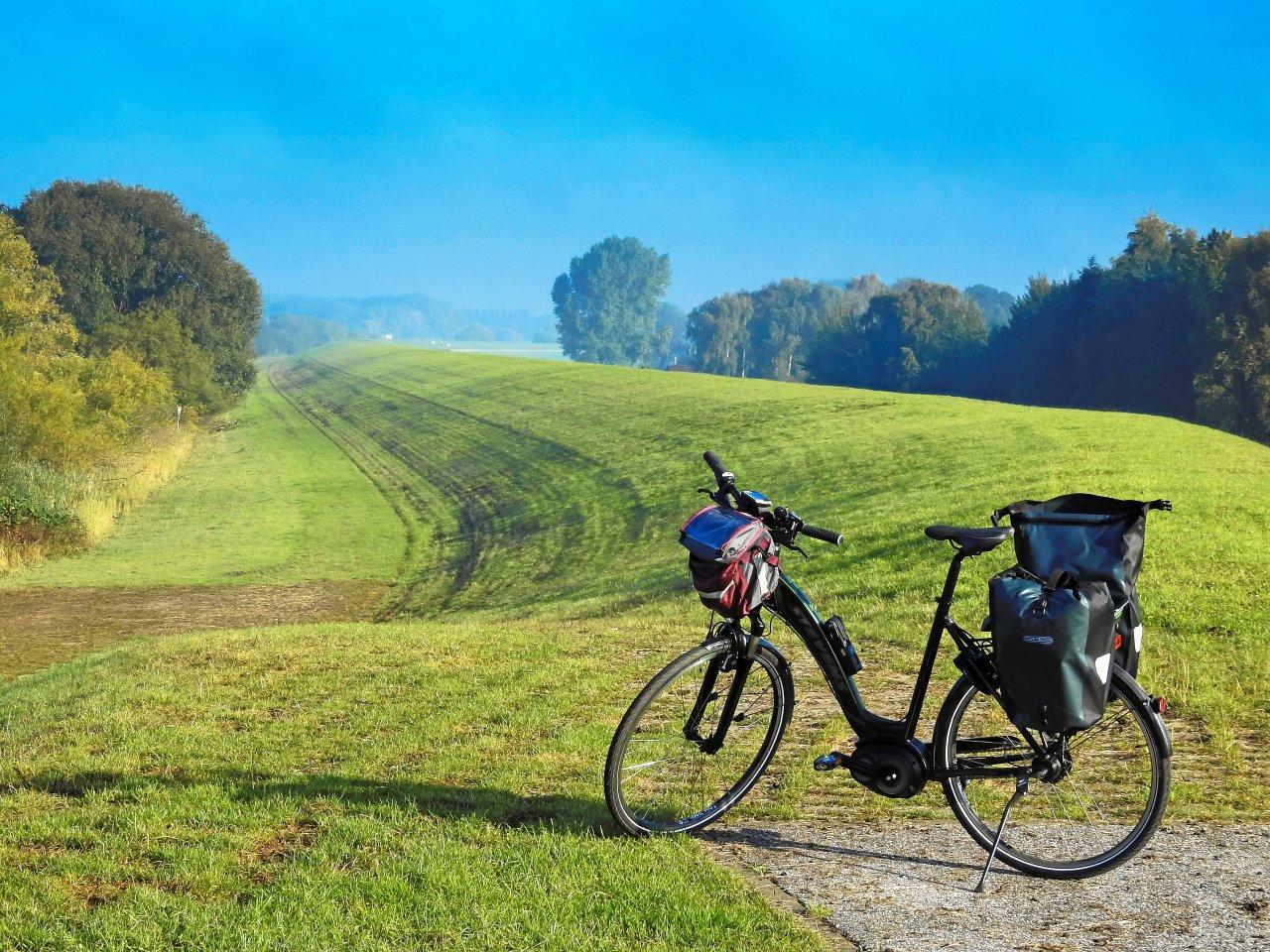 Entspannung pur: eine Tour  mit dem Fahrrad auf die  Elbdeiche.