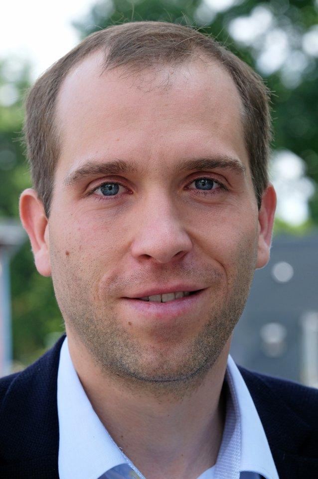 CDU-Verkehrspolitiker Dennis Thering kritisiert den Senat.