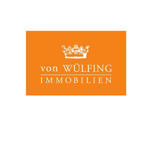 Wer eine Wohnung oder ein Haus verkaufen möchte, hat zurzeit leichtes Spiel. Niedrige Zinsen und Anlagenotstand veranlassen die Deutschen vermehrt zu Investitionen ins Wohneigentum. Mithilfe von Internetportalen können Eigentümer ihre Realitäten bequem selbst vermarkten – ohne in die vertragliche Abhängigkeit eines Maklers zu geraten. Doch es geht auch anders, wie das Traditionsunternehmen VOLKER von WÜLFING IMMOBILIEN GmbH mit seinem innovativen Ansatz beweist. Das inhabergeführte Maklerunternehmen schließt mit privaten Verkäufern grundsätzlich keine Maklerverträge ab. Für Verkäufer entstehen somit keine Kosten und sie bleiben weiterhin unabhängig.