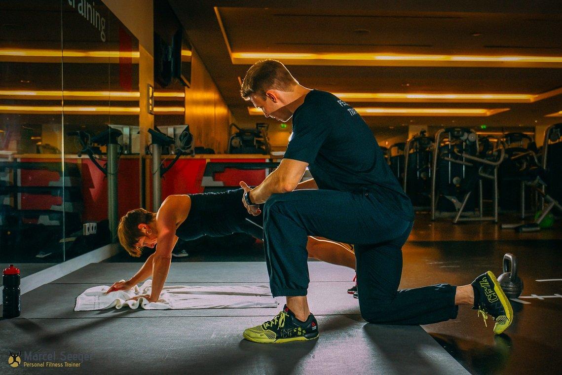 """An einem Tag das ganze Leben verändern – Marcel Seeger versucht, das seinen Klienten zu ermöglichen. Der Personalcoach und Fitnesstrainer will mit seinem Konzept """"The Change Day"""" seinen Kunden den richtigen Anschub geben, um gesünder und vitaler den Alltag zu bewältigen."""