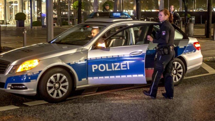 Stehlen Hamburg hamburger jugendliche stehlen auto und fahren polizisten an