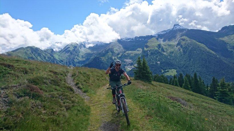 transalp mit dem mountainbike ber die alpen aktuelle. Black Bedroom Furniture Sets. Home Design Ideas