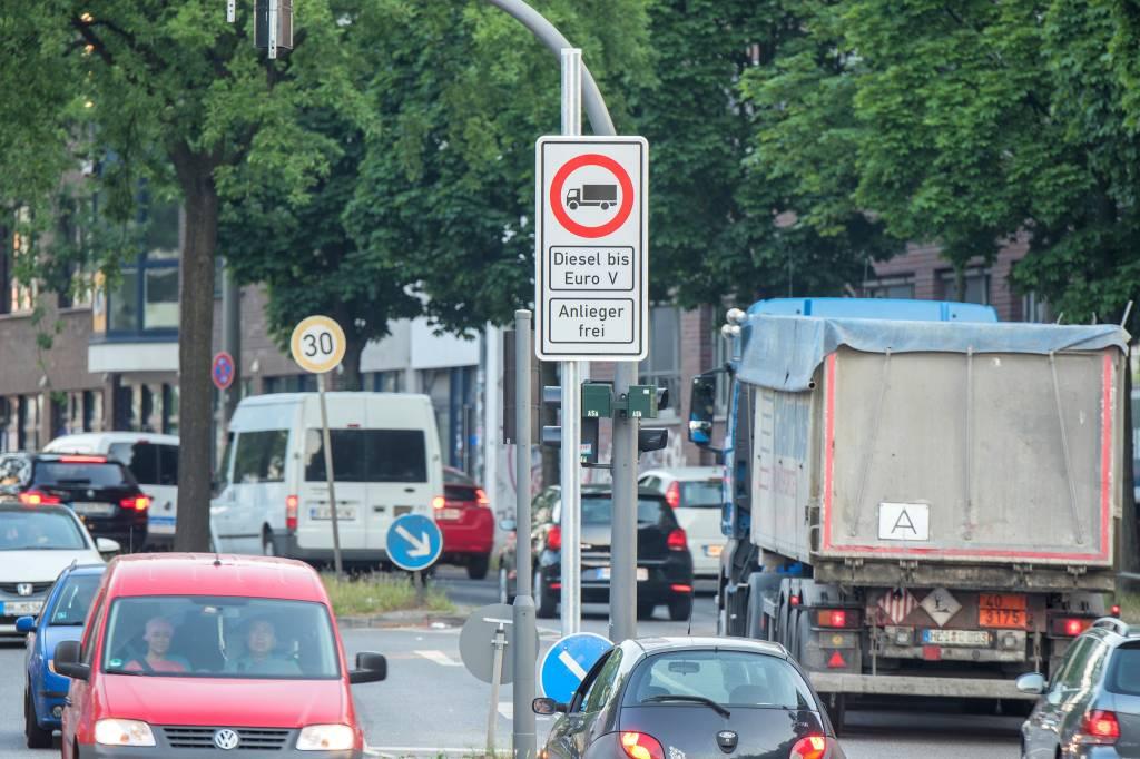 Hamburg Hilft Dieselfahrern Bei Klagen Hamburg Aktuelle News Aus