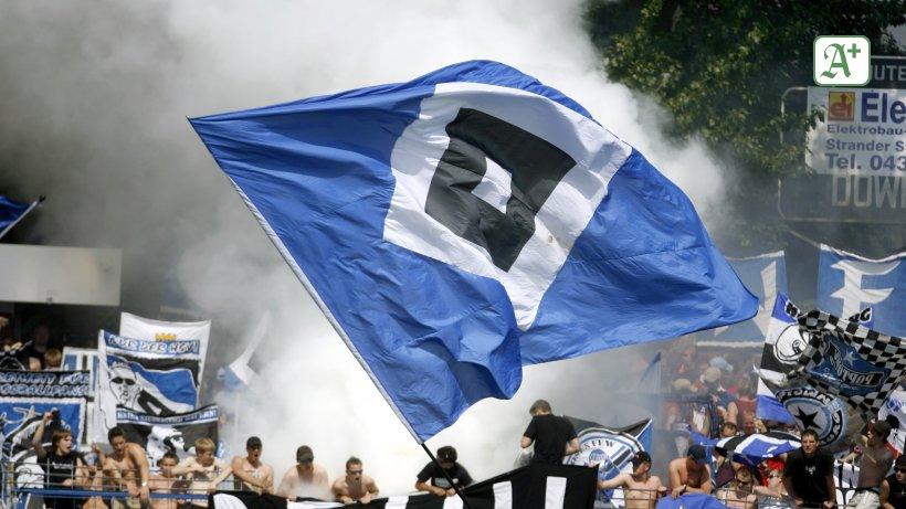 Schals, Trikots, Flaggen – HSV-Verbot auf Kieler Tribünen