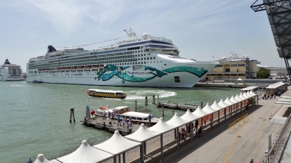 Viele Kreuzfahrtschiffe können nun nicht mehr Venedig ansteuern (Symbolbild).