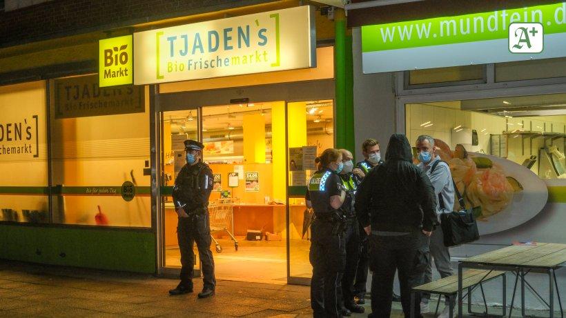 Polizei Hamburg: Tjaden's in Eimsbüttel überfallen – Suche mit Hubschrauber