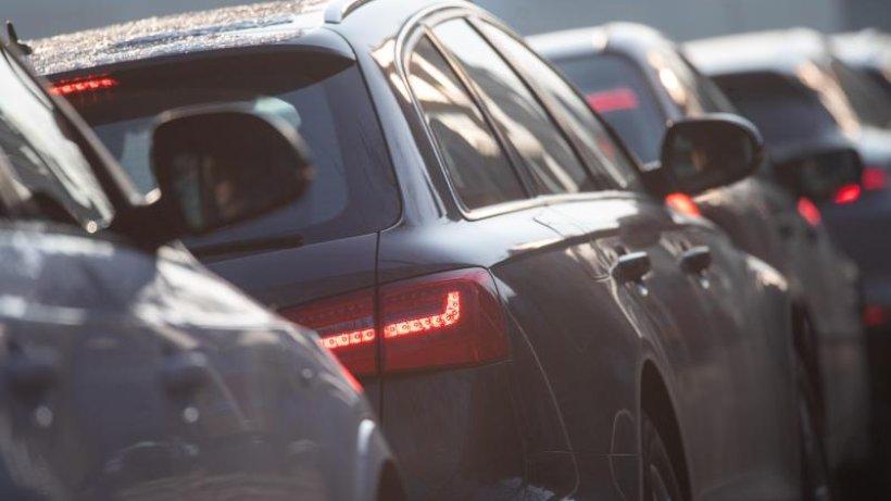 Volle Autobahnen rund um Hamburg: Viele Reisende unterwegs