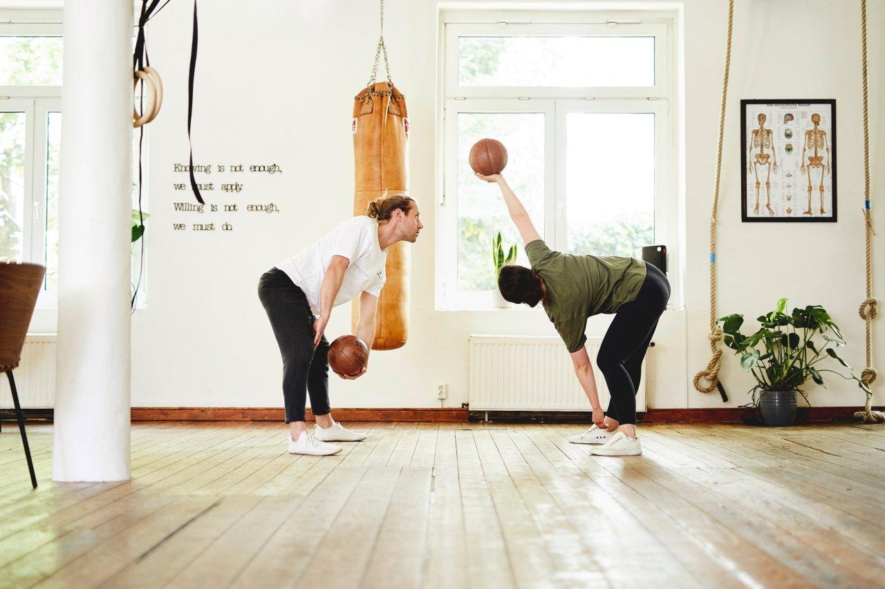 Beim Bewegungstraining geht es darum, den Körper zu ursprünglichen Bewegungen zu animieren.