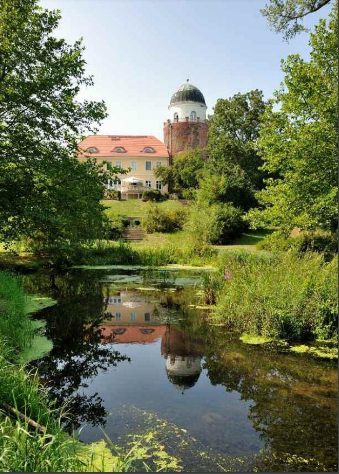 Im Herzen des Biosphärenreservates Flusslandschaft Elbe, hoch über der Elbaue gelegen, öffnet sich den Besuchenden der Blick auf eine der ältesten und schönsten Burganlagen entlang des mitteleuropäischen Stroms.