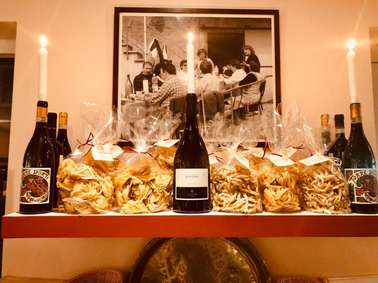 Die Weinkarte beschränkt sich bewusst auf Italien und bietet sowohl traditionsreiche Klassiker als auch auf Ausgefalleneres im Angebot.