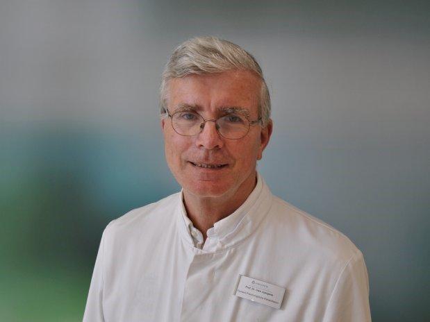 Prof. Dr. Juergens, Chefarzt der Pneumologie