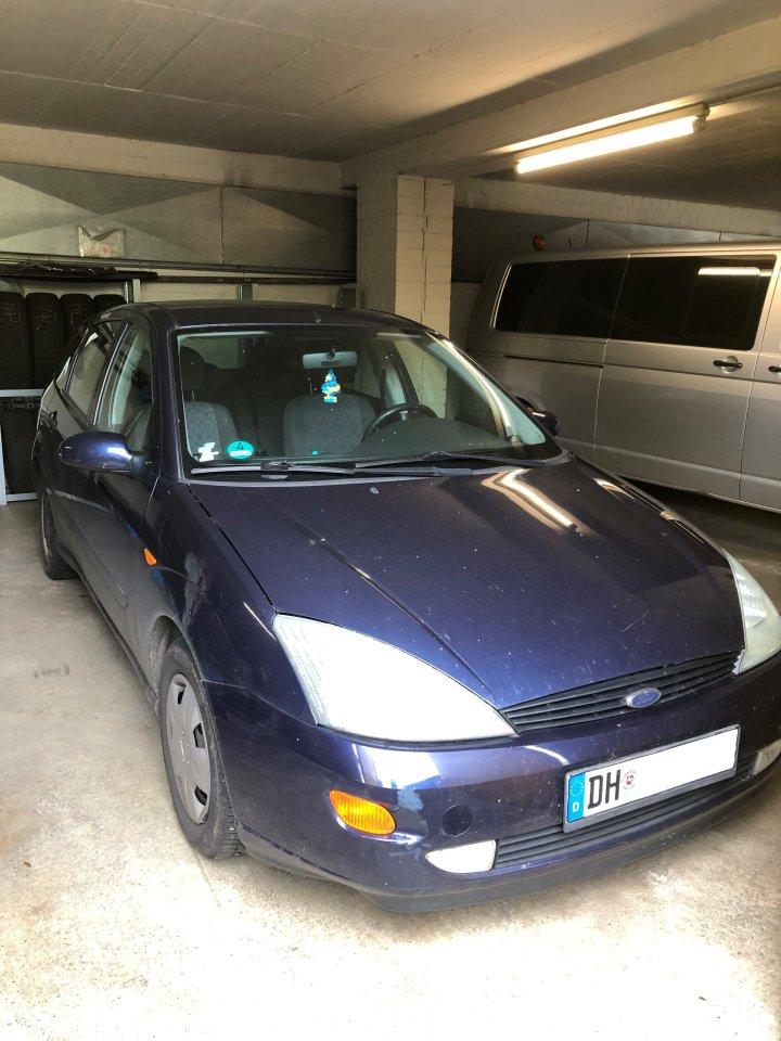 Die Polizei fragt: Wer hat dieses Auto mit dem Kennzeichen aus Diepholz am Sonntag, in der Zeit zwischen 05.00 und 16.15 Uhr gesehen. Hinweise bitte unter 05191/9380-500