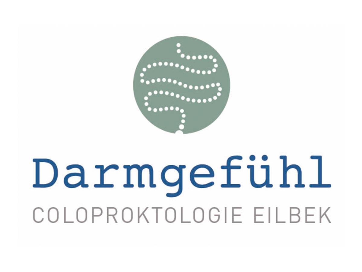 In seiner Praxis Darmgefühl – Coloproktologie Eilbek nimmt der Hamburger Facharzt Dr. Philipp Kölln seinen Patienten erst die Scham, dann die Beschwerden