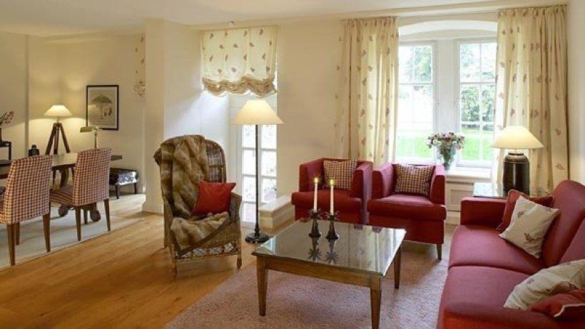 ein schloss im zeichen der ananas kleine fluchten hotels in norddeutschland suche. Black Bedroom Furniture Sets. Home Design Ideas
