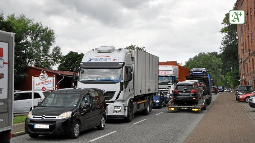 Verkehr Lauenburg: Elbbrücke und Hafenstraße gleichzeitig dicht