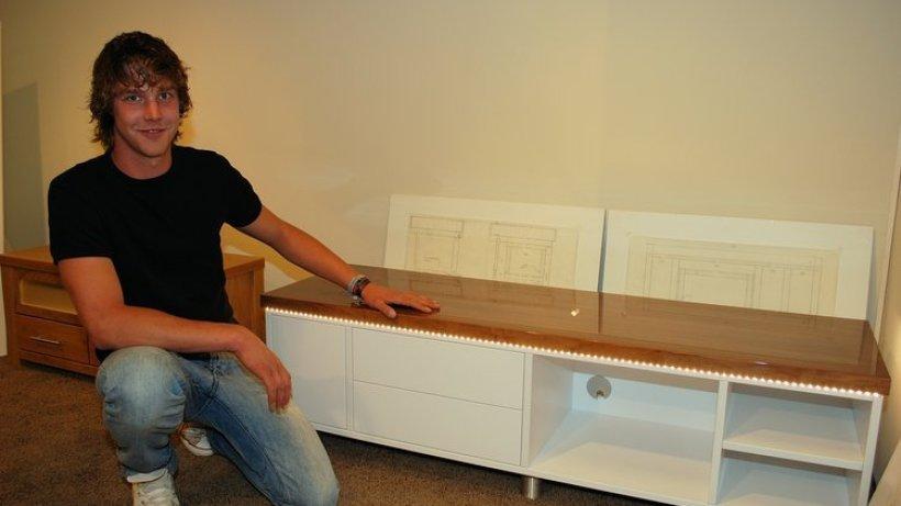 nachwuchs tischler zeigen was sie k nnen norderstedt. Black Bedroom Furniture Sets. Home Design Ideas