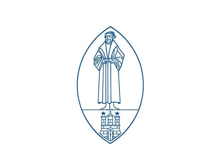Die im Jahr 1995 gegründete Diakoniestiftung Alt Hamburg zählt als Träger von derzeit elf Altenpflegeeinrichtungen mit über 1222 Pflegeplätzen zu den größten Einrichtungen ihrer Art in Hamburg. Die stationäre Pflege sowie die Kurzzeitpflege über alle Pflegegerade hinweg ist Standard in allen Häusern. Die Stiftung steht für hohe Qualität bei Pflege und Betreuung sowie innovative, zukunftsweisende Wohnkonzepte