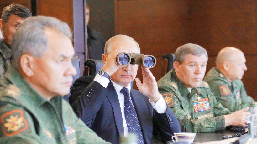 Russland: Kanonendonner von Putins Manöver beunruhigt living room Westen
