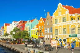 Vielfalt: Exotische Insel in der Karibik: Curaçao treibt es bunt