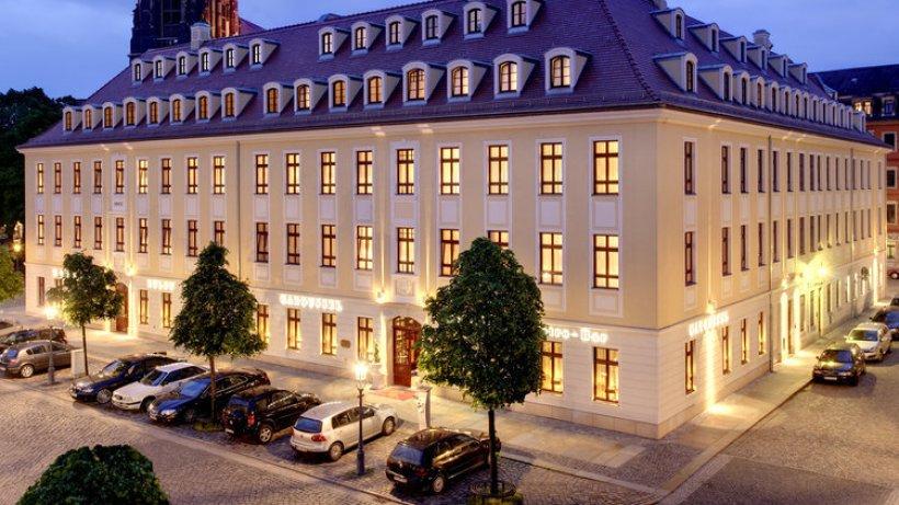 barocke pracht in dresdens neustadt kleine fluchten hotels in norddeutschland suche. Black Bedroom Furniture Sets. Home Design Ideas