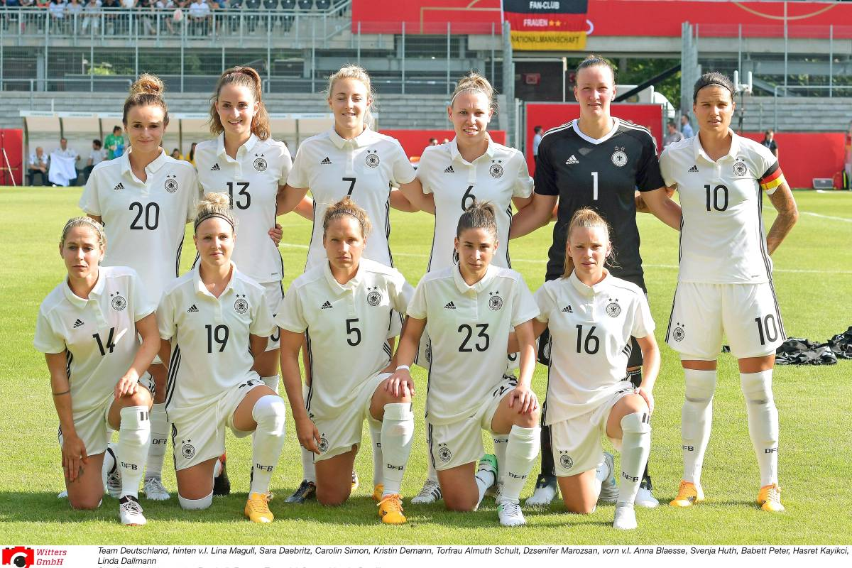 frauen nationalmannschaft playboy