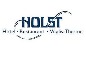 Das charmante Hotel Holst im Regionalpark Rosengarten bietet Gästen einen idealen Ausgangspunkt für Ausflüge ins Alte Land, in die Lüneburger Heide und in die Hamburger City